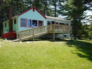 2 bedroom House with Deck in Trenton - Trenton vacation rentals