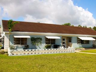 Bahamian Cottage with Pool - Nassau vacation rentals