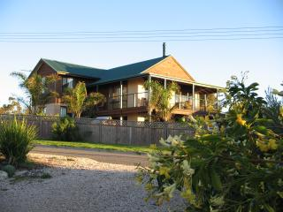Ambalama Holiday Home - Coober Pedy vacation rentals