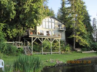 WATERFRONT STAY - THE BEST LOCATION ON LAKE COEUR D'ALENE - Northern Idaho vacation rentals