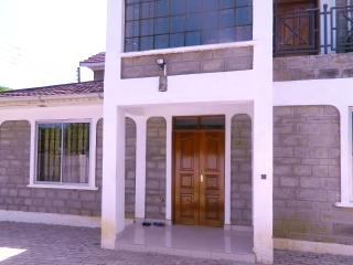 Spacious 4 bedroom House in Kisumu - Kisumu vacation rentals