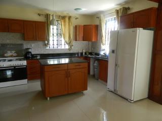 Spacious 4 bedroom House in Kisumu - Kisumu vacation rentals