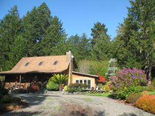 Idyllic Log Home Near Coast - North Coast vacation rentals