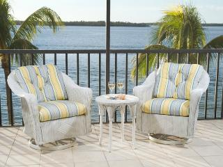 Beautiul BeachfrontCondo at Sanibel Harbour Resort - Fort Myers vacation rentals