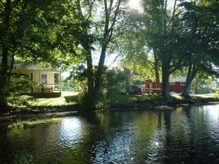 Backlund's Waterfront Cottage - Jewett City vacation rentals
