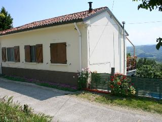 Comfortable House with Internet Access and Mountain Views - Pavia vacation rentals