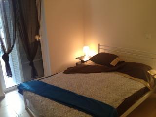 2 bedrooms in luxury condo central Athens Metro - Athens vacation rentals