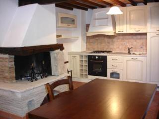 Cozy House with Shampoo Provided and Stove - Barete vacation rentals