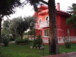 Comfortable 4 bedroom Villa in Santa Croce Camerina with A/C - Santa Croce Camerina vacation rentals