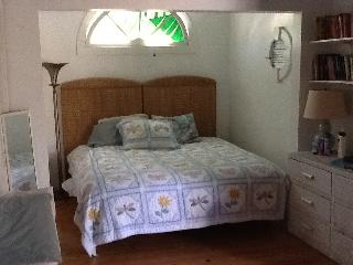 Artist cottage with hot tub - Key West vacation rentals