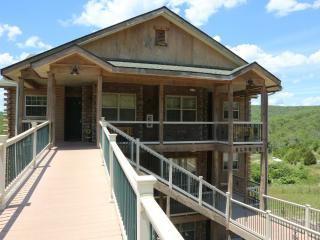 Branson Vacation Rental | Eagles Nest | Indian Point | Silver Dollar City | Walkin (3310606) - Branson vacation rentals