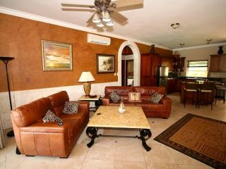 OCEAN DREAM ART DECO 2bdr/2bth 40m from the beach - Cabarete vacation rentals