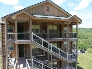 Upper level Condo | Fireplace | Pool | Hot Tub | Next to Silver Dollar City (3210606) - Branson vacation rentals