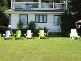 Comfortable Victoria Harbour vacation Cottage with A/C - Victoria Harbour vacation rentals