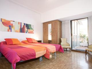 Comfortable Condo with Internet Access and A/C - Vallbona De Les Monges vacation rentals