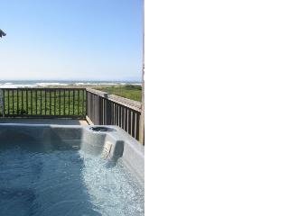 Comfortable House with Deck and Internet Access - Gold Beach vacation rentals