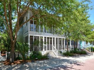 Spacious 5 bedroom House in Seaside - Seaside vacation rentals