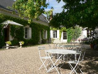 LE CLOS DE LA CHESNERAIE Romantic B&B Loire Valley - Loches vacation rentals