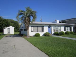 Island Escape 115368 - Wilmington vacation rentals