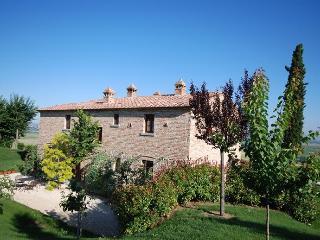 Stunning 5 Bedroom Villa in Cortona - Cortona vacation rentals