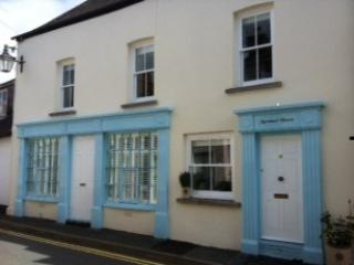 Front of Property - Mortimer House, Luxury S/C Accom, Crickhowell - Crickhowell - rentals