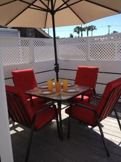 2 bedroom Condo with Deck in Balboa Island - Balboa Island vacation rentals