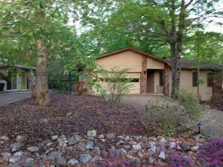 8SierLn Lake Desoto Area | Home | Sleeps 4 - Hot Springs Village vacation rentals