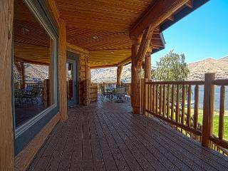 Lake Entiat 5 Bedroom Custom-Built Log Waterfront Home - Wenatchee vacation rentals