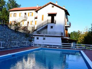 Self catering studio up-hill overlooking the sea - Balestrino vacation rentals
