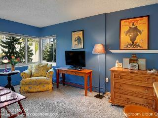 Cozy 1 Bedroom Urban Oasis - Seattle Metro Area vacation rentals