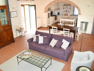 Beautiful Tuscan 2 Bedroom House at Casalta Di Pesa - Siena vacation rentals