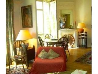 Stylish Apartment in the Montmartre Neighborhood, Paris - Paris vacation rentals