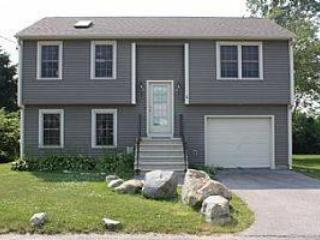 Narragansett Beauty- 1/2 mile to Scarborough Beach - Rhode Island vacation rentals