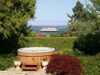 Bryn Hyfryd- Historic Welsh / Hot Tub & Sea Views! - Puget Sound vacation rentals
