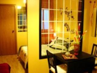 CENTRAL RAMBLAS APARTMENT PERFECT FOR 4 PEOPLE BCN - Barcelona vacation rentals