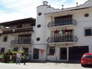 3BD Penthouse, 2Bathrooms, Patio, View, Parking - Taxco vacation rentals