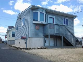 Gorgeous Jersey Shore Beach Home in Lavallette - Bay Head vacation rentals