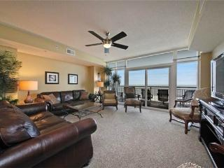 Lovely Ocean Blue Resort Vacation Rental with a Jacuzzi and Balcony - Myrtle Beach vacation rentals