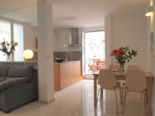 Elegant Design Duplex in the heart of Granada - Granada vacation rentals