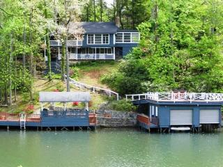 Vintage cabin on Lake Lure with outdoor fire pit. - Lake Lure vacation rentals