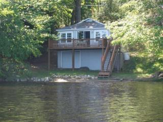 Nice Cottage with Deck and A/C - Rindge vacation rentals