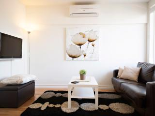 Charming Condo in Melbourne with Dishwasher, sleeps 4 - Melbourne vacation rentals