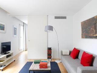 Mistral City Beach Apartment with Pool (1BR) (3.4) - 20% OFF APRIL STAY PROMOTION - Barcelona vacation rentals