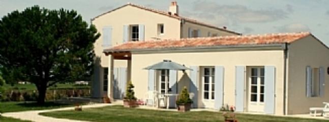 Sunny 1 bedroom Cottage in Mortagne-sur-Gironde - Mortagne-sur-Gironde vacation rentals