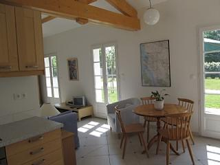 Sunny Cottage with Internet Access and Dishwasher - Mortagne-sur-Gironde vacation rentals