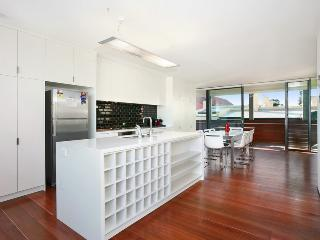 3 bedroom Apartment with Internet Access in Randwick - Randwick vacation rentals