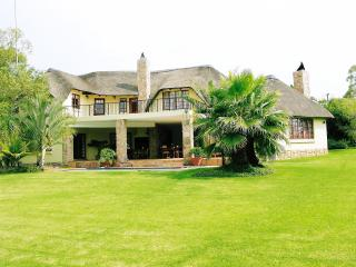 4 bedroom Bed and Breakfast with Balcony in Gauteng - Gauteng vacation rentals