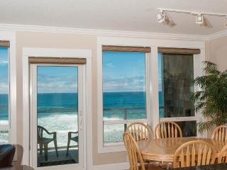 Oceanfront Condo-Private Hot Tub-Pool-WiFi-HDTV - Lincoln City vacation rentals