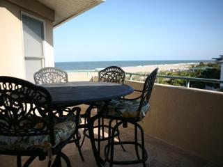 Sail Away at the Desoto unit 306 - prices listed may not be accurate - Tybee Island vacation rentals