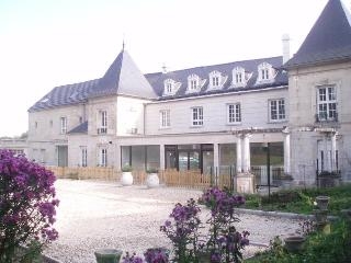Top' Meublés Locations Penthouse withTerrace 6 pers - Northern France vacation rentals